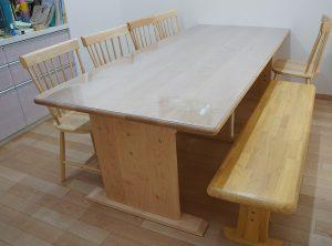 ハードメープルのテーブル