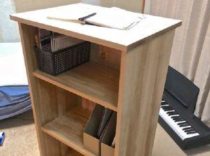 本棚兼用のスタンディングデスク