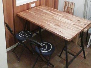 アカシアのテーブルセット