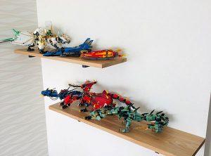 おもちゃの飾り棚