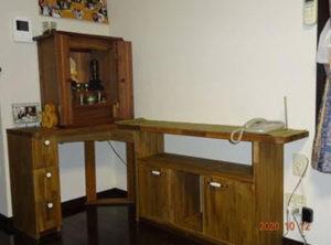 Wナットとアカシアの仏壇置き台