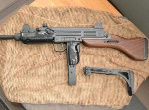 ウォールナットの木製銃
